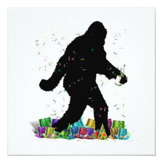 Squatchin ido en el Año Nuevo Invitación 13,3 Cm X 13,3cm