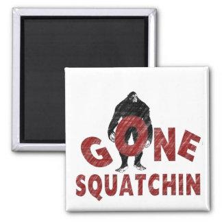 Squatchin ido - estilo Squatcher del creyón Imán Cuadrado