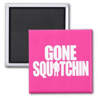 Squatchin ido imán cuadrado