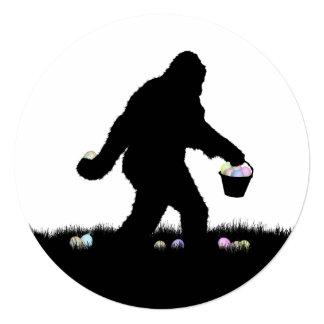 Squatchin ido para los huevos de Pascua Invitación 13,3 Cm X 13,3cm