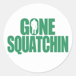 Squatchin ido pegatina redonda