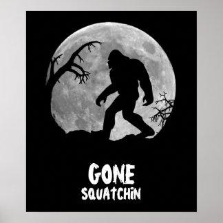 Squatchin ido, silueta del sasquatch con la luna posters
