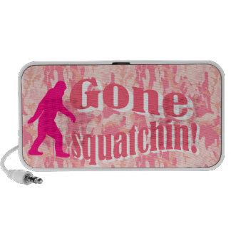 Squatching ido en camuflaje rosado laptop altavoz
