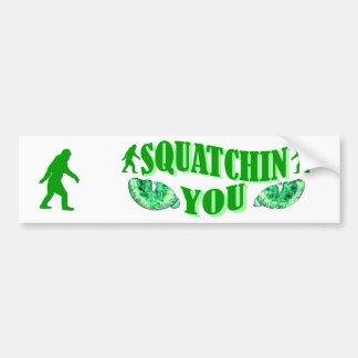 Squatching le etiqueta de parachoque
