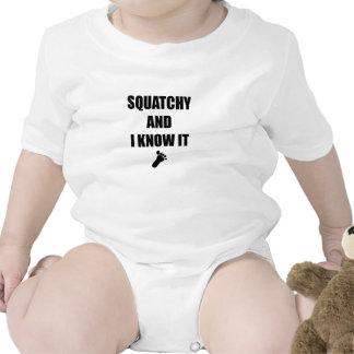 Squatchy y yo lo sabemos camiseta