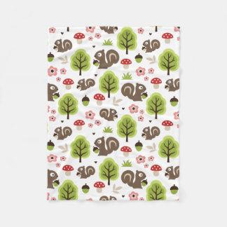 Squirrel in The Oak Forest Pattern Fleece Blanket
