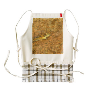 Squirrel on the ground zazzle HEART apron