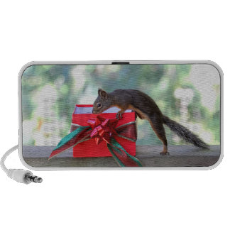 Squirrel Opening Christmas Present Mp3 Speakers