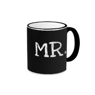 Sr blanco del texto del novio tazas de café