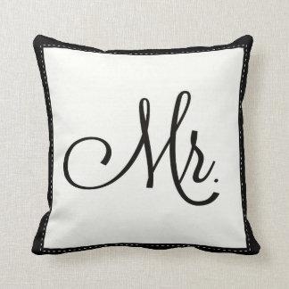 """""""Sr. negro y blanco"""" almohada, personalizada encen"""