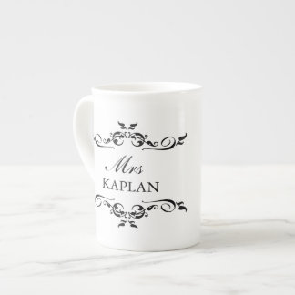 Sr. o señora elegante estilo romántico del ornamen taza de porcelana