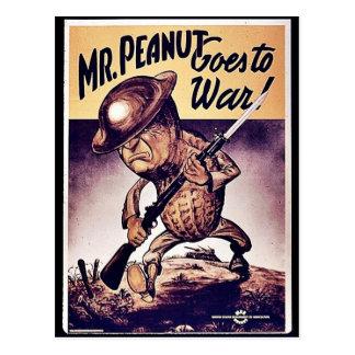 Sr. Peanut Goes To War Tarjetas Postales