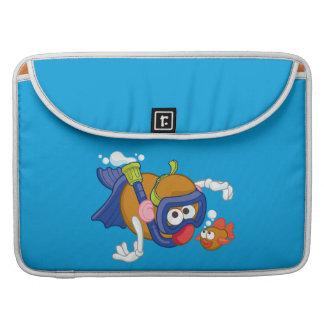 Sr. Potato Head Swimming Fundas Para Macbook Pro