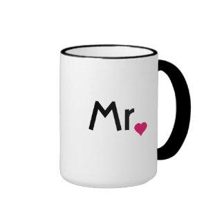 Sr. taza con el corazón rojo del amor
