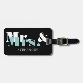 Sr. y la señora lindos etiqueta del equipaje del v etiquetas para maletas