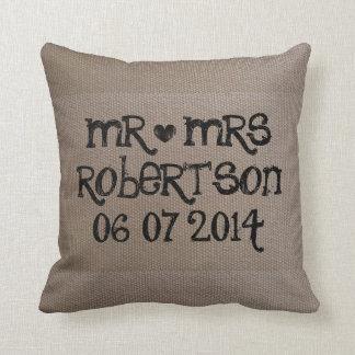 Sr. y señora almohada del vintage de tiro del boda