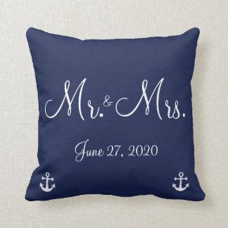 Sr. y señora almohadas náuticas del boda de los az