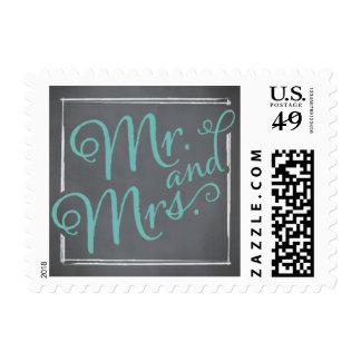 Sr. y señora azules de la escritura de la pizarra timbres postales