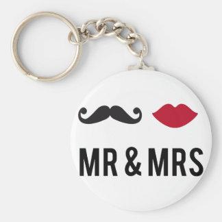 Sr. y señora con el bigote y los labios rojos llaveros personalizados