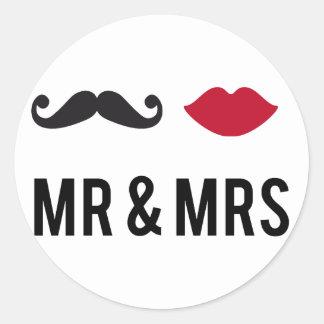 Sr y señora con el bigote y los labios rojos etiquetas