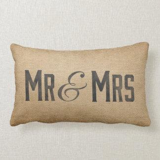 Sr. y señora dicha casada del vintage de la cojín