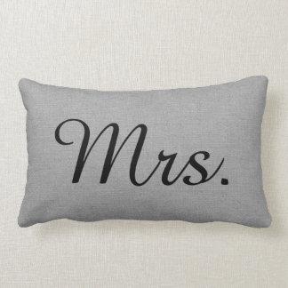 Sr. y señora grises rústicos Cute Wedding Keepsake Cojín