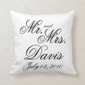 Sr. y señora personalizados almohada de tiro