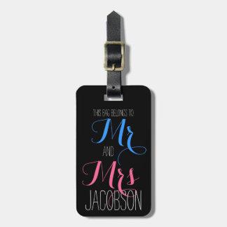 Sr. y señora rosados y azules etiqueta de maleta
