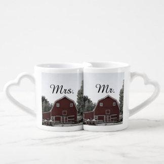 Sr. y señora rústicos del boda del granero del tazas para parejas