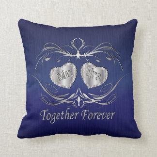 Sr. y señora Together Forever el | personalizan Cojín Decorativo
