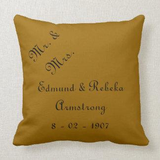 Sr. y señora Wedding Keepsake Pillow Cojín Decorativo