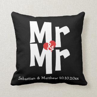 Sr. y Sr. dos boda personalizado novios Cojín Decorativo