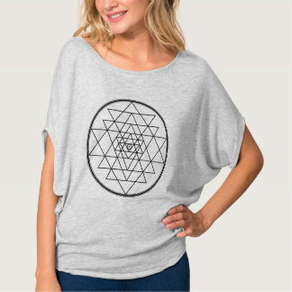 sri yantra: two opposing forces that make momentum T-Shirt
