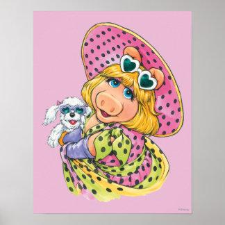 Srta. Piggy Holding Puppy Póster