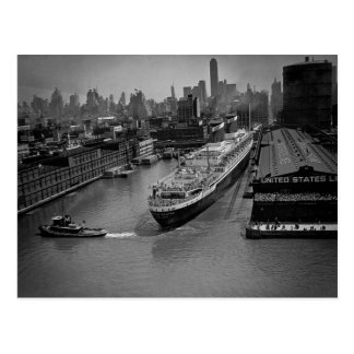 SS Estados Unidos en el embarcadero en New York Tarjetas Postales