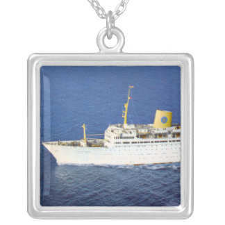 SS Gripsholm en el mar Colgante Cuadrado