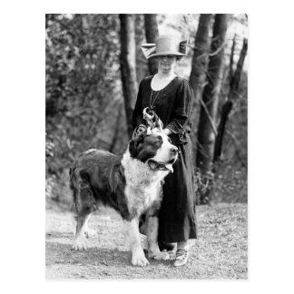 St Bernard y Boston Terrier, 1925 Tarjeta Postal