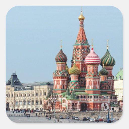 St. Catedral rusa de la albahaca en la Plaza Roja. Calcomanía Cuadrada Personalizada