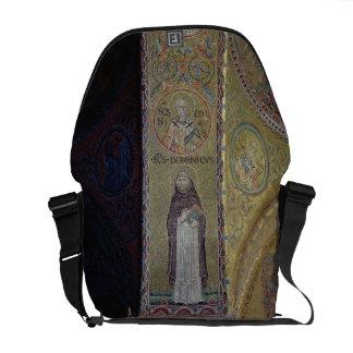 St Dominic y San Nicolás, mosaico en el atrio Bolsas Messenger