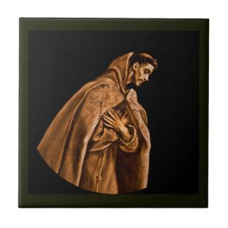 St Francis que se arrodilla en rezo Azulejo Cuadrado Pequeño