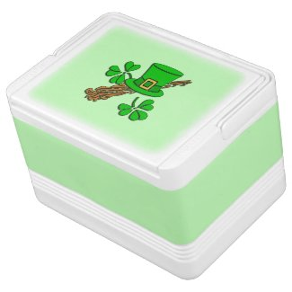 St Paddy's Hat and Shamrocks Igloo Can Cooler