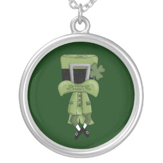 St Pat Lost in his hat Round Pendant Necklace