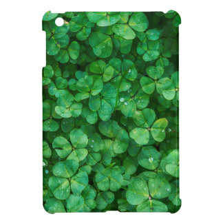 St Patrick lucky clovers iPad Mini Case