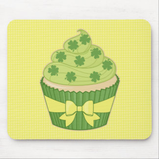 St Patrick's Day Cupcake on Gingham Mousepad