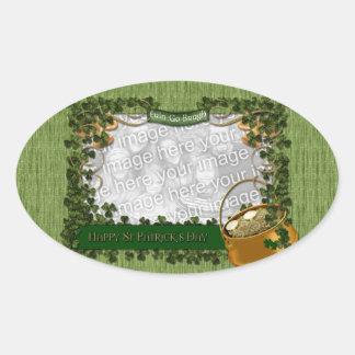 St Patricks - AÑADA SU FOTO - marco del trébol Pegatina Ovalada