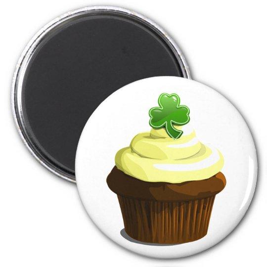 St. Patrick's cupcake magnet