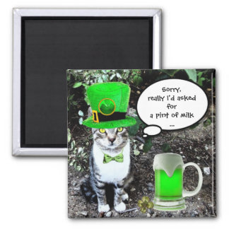 ST PATRICK'S  DAY CAT  WITH GREEN IRISH BEER 2 INCH SQUARE MAGNET