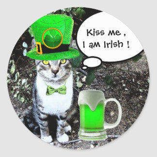 ST PATRICK'S  DAY CAT  WITH GREEN IRISH BEER CLASSIC ROUND STICKER