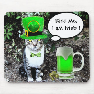ST PATRICK'S  DAY CAT  WITH GREEN IRISH BEER MOUSE PAD