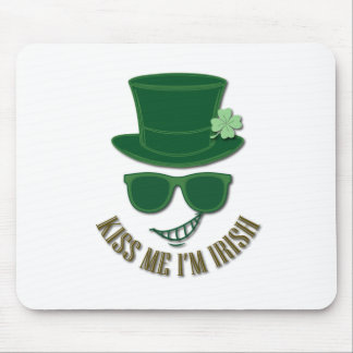 St Patrick's day kiss Me I'M Irish Mouse Pad